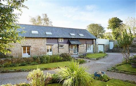big cottages for rent 30 magnificent large cottages to rent for your next big