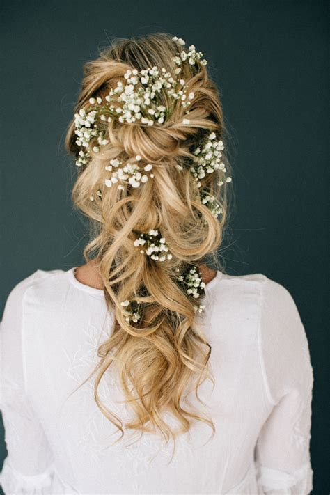 hairstyles for evening reception 33 modern curly hairstyles that will slay on your wedding