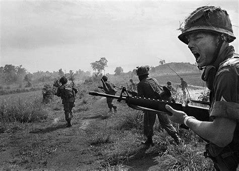 vietnam war 1965 an american paratrooper sergeant shouts