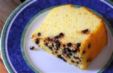 Chocolate Chips Sink To Bottom Of Cake why do chocolate chips sink to the bottom of cakes
