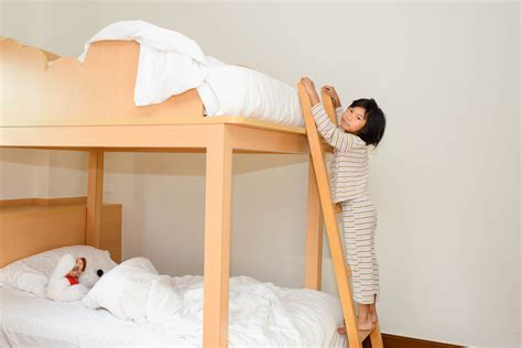 Safest Bunk Beds by What You Need To About Bunk Bed Safety Happy Beds