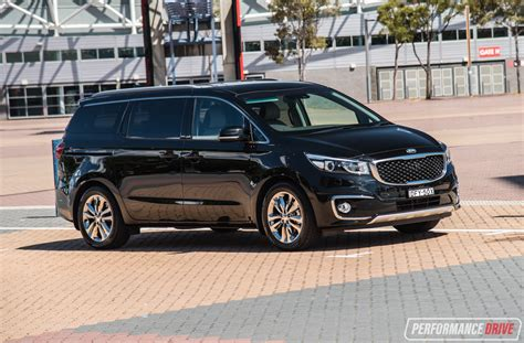 Kia Carnical 2016 Kia Carnival Platinum V6 Review