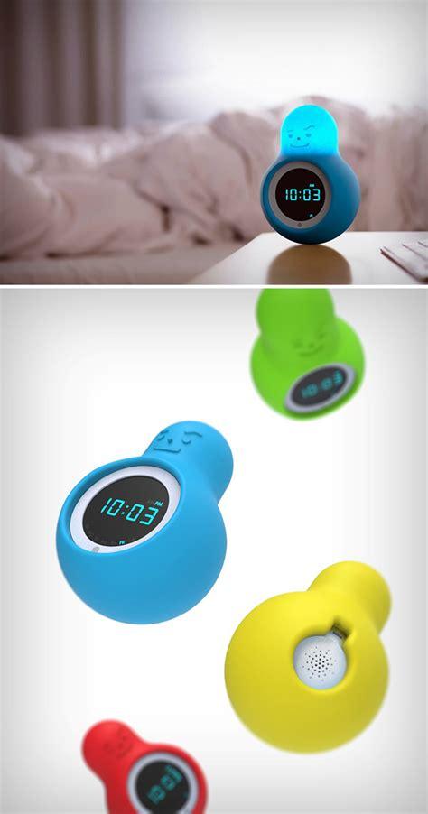 mr wakey alarm clock turns when you punch or throw it has integrated crash sensors techeblog
