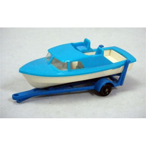 speed boat with wheels matchbox regular wheels speed boat and trailer global