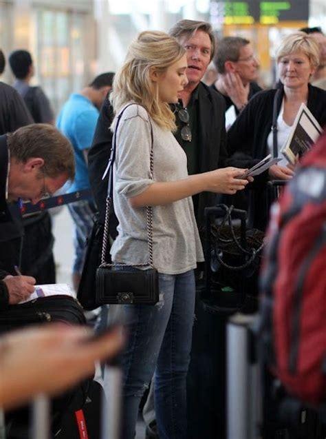 Chanel Jelly Chevron 022 B elizabeth carrying chanel boy bag bag