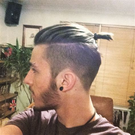 top knot mens hairstyles top knot hairstyle guide how to tips pictures
