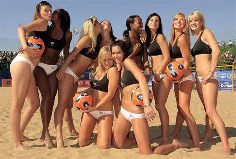 Футбол россии турнирная таблица d1