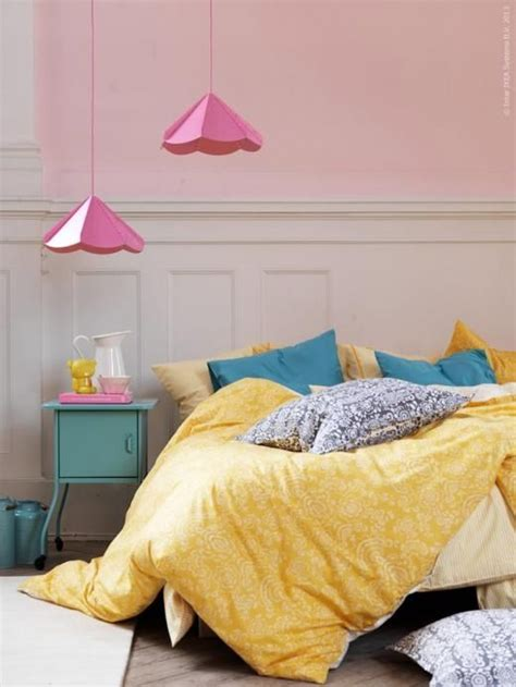 Yellow Walls Blue Bedding Best 25 Light Yellow Bedrooms Ideas On Yellow