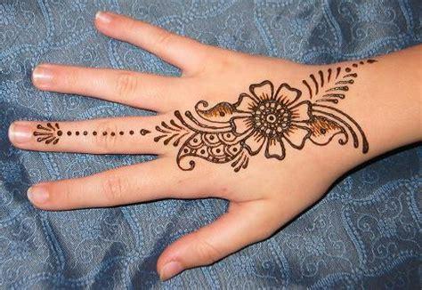 henna hand painting  adults  subhashini coburn oakland public library