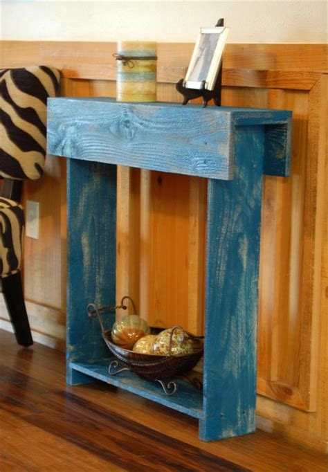 diy small table small pallet entry table diy pallet furniture plans