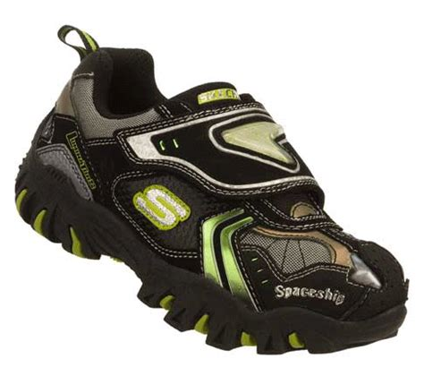 dragon boat paddling shoes skechers gifs search find make share gfycat gifs