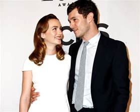 leighton meester and adam brody quot laugh quot that blair married seth