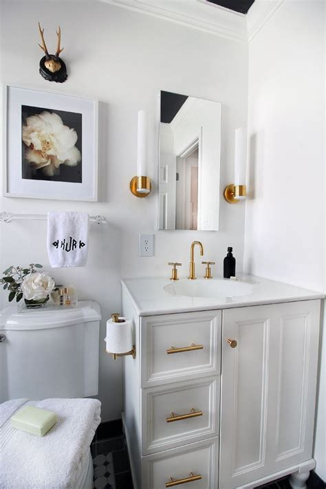gold bathroom fixtures 25 best ideas about black white bathrooms on