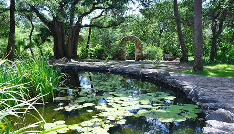 Mayfield Park Cottage And Gardens - austin s mayfield park offers wild experience