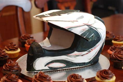 motocross helmet cake 8 best images about helmet cakes on pinterest motocross