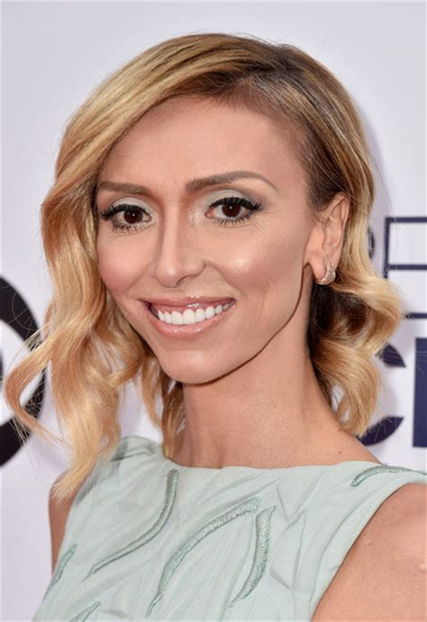 julianna rancic haircut giuliana rancic medium wavy cut shoulder length