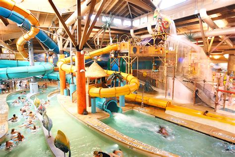 best indoor water parks in america with lazy rivers and slides