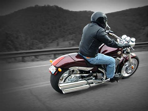 2008 Victory Hammer Review   Top Speed