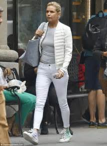 yolanda fosters favorite brand of jean yolanda hadid is casual in grey and white while in nyc