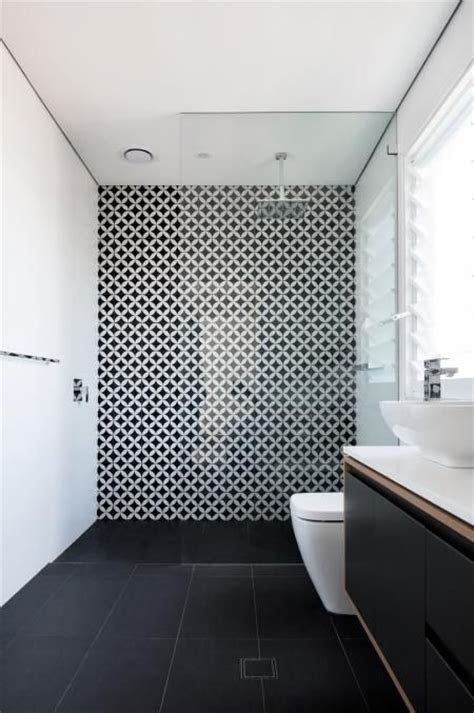 Black And White Bathroom Wall by Best 25 Bathroom Feature Wall Ideas On