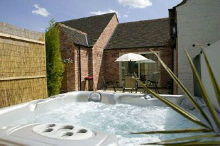 luxury cottage rentals with a tub luxurious