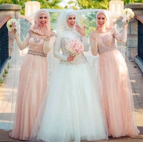Baju Bridesmaid Gold 10 inspirasi gaun kebaya bridesmaid berhijab sopan dan jauh dari kesan berlebihan
