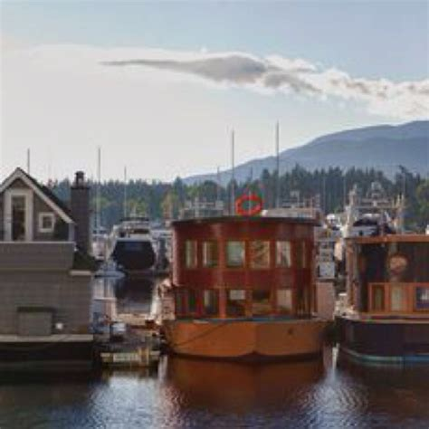 cool house boats 111 best images about boat houses on pinterest boats cottages and lakes