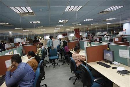 deutsche bank noida workplace 1 hcl technologies office photo glassdoor