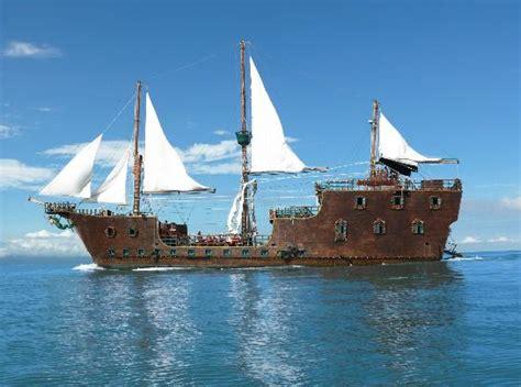 boat trip cancun cancun boat trips pirate show cancun