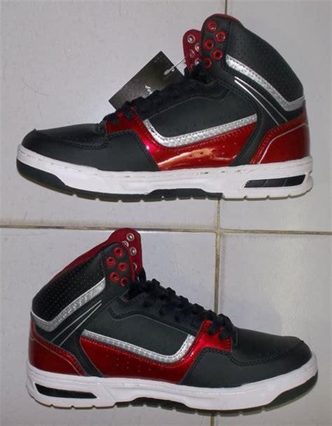 toko jual sepatu basket original murah hitam merah