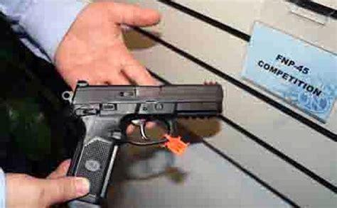 Jual Nes V Manado senjata oknum brimob nagan raya dilucuti karena dipakai