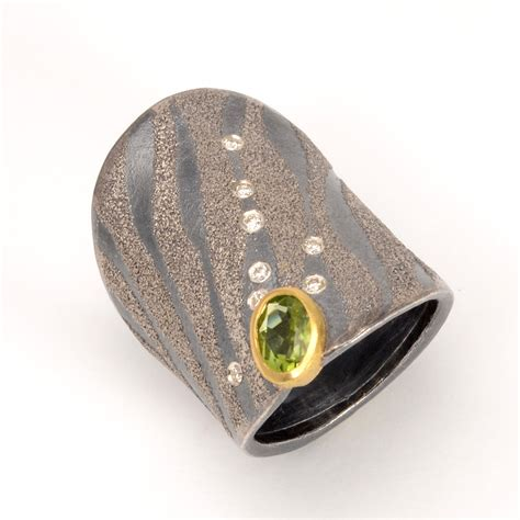 Peridot Pr 05 S santa fe s patina gallery internationally recognized for