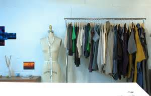 file clothes rack jpg wikimedia commons