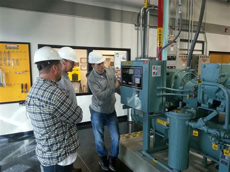 industrial co2 refrigeration operator