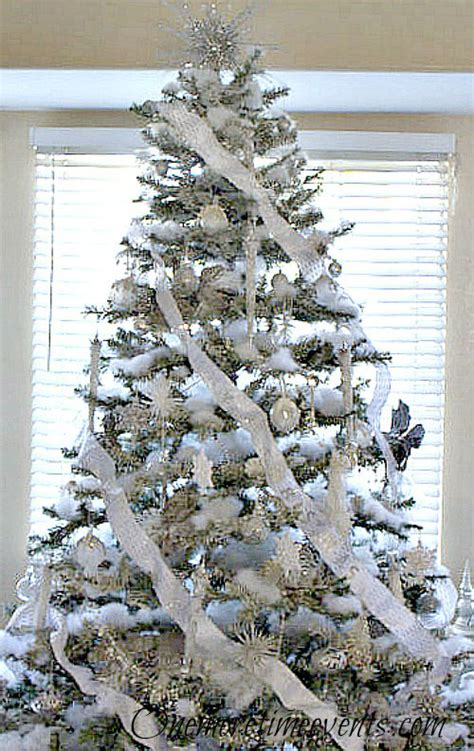 silver and white christmas tree