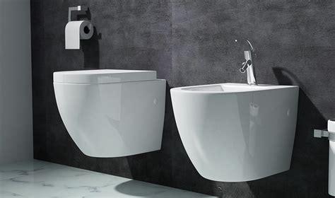 klo mit integriertem bidet design h 228 nge toilette mit silentclose sitz mit