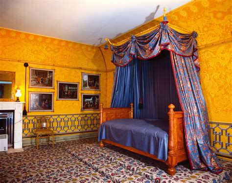 Beds With Canopy royal bedrooms