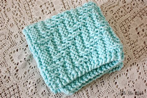 how to knit easy miss stitcher 5 free knit dishcloth patterns