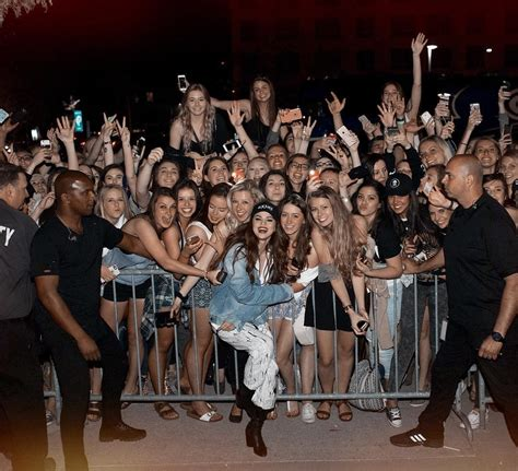 selena gomez fan instagram selena gomez is still getting the most epic fan concert