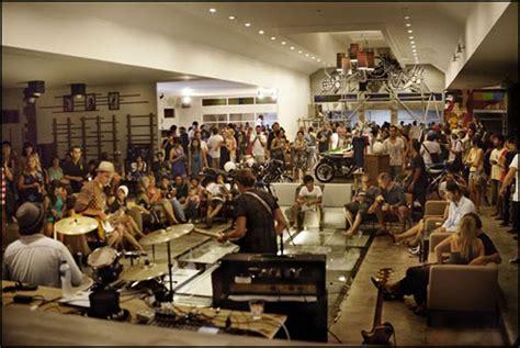 Deus Ex Machina Siluet Store 3 store opening gathers quite the crowd deus ex machinadeus ex machina