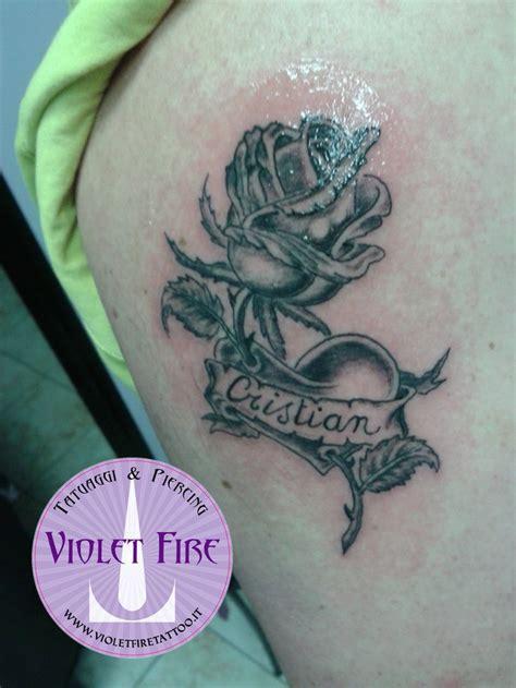 fiori e scritte pi 249 di 25 fantastiche idee su tatuaggio cuore su