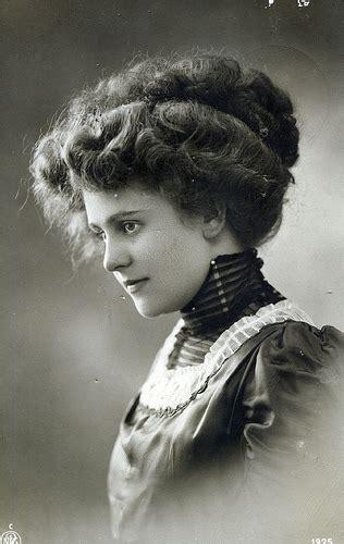 industrial revolution girls hairstyles um 1900 frauen portrait mode und alltag 20 jahrhundert