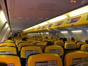 file ryanair b737 800 cabin jpg