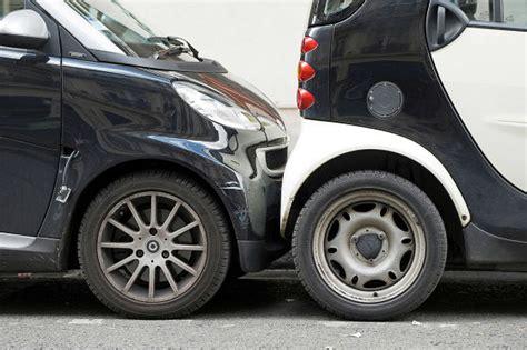 Wieviel Verbraucht Ein Formel 1 Auto by Bremsweg Formel So Geht Die Berechnung Autobild De