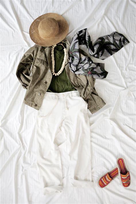 I Shop Like A Vintage Clothing Ephiphany by How To Shop For Vintage Clothing Like A Pro Vogue Australia