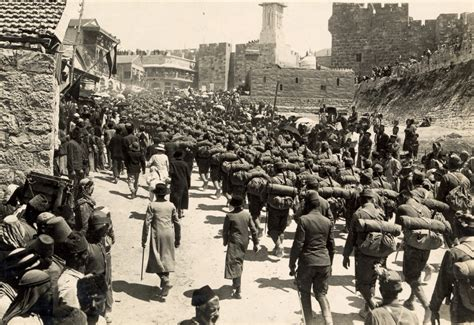 world war 1 ottoman file austrian troops marching up mt zion 1916 jpg