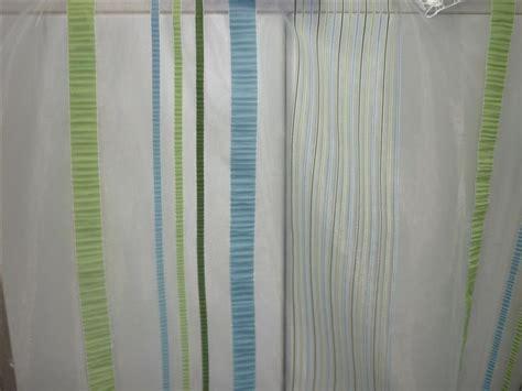 vorhänge grün blau wohnzimmertische rund