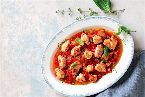 cucinare il coniglio alla cacciatora ricetta coniglio alla cacciatora la cucina italiana