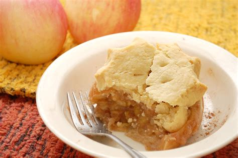 how to make apple pie in an apple 13 steps with pictures