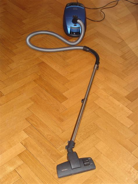 Floor Cleaning: A Simple 2 Step Method For Cleaning